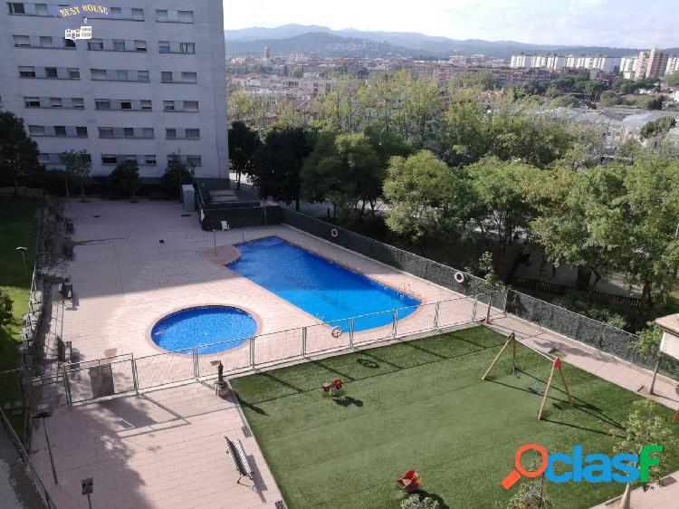 Precioso piso semi nuevo, parking, piscina y trastero en