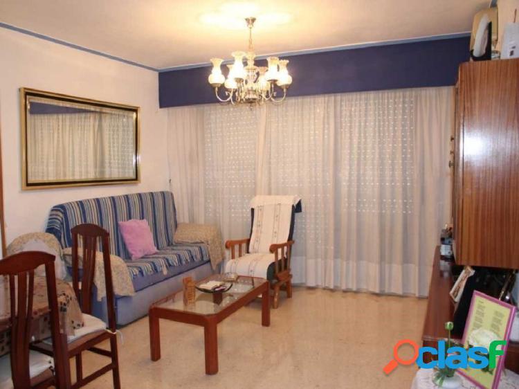 Precioso piso situado cerca de la Renfe