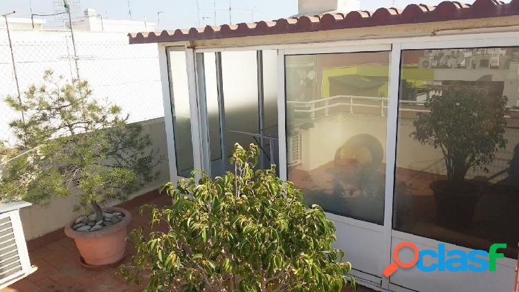 Precioso ático dúplex con amplia terraza, garaje y