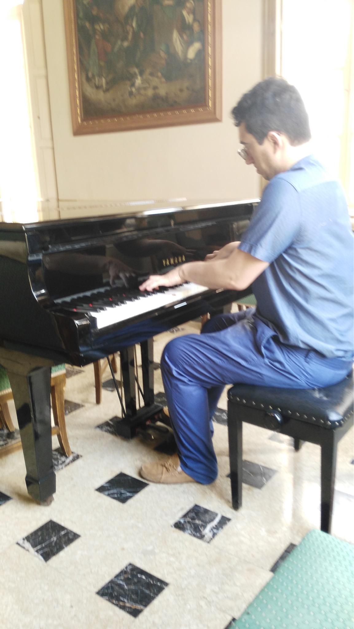 Profesor Licenciado en Piano - Sevilla