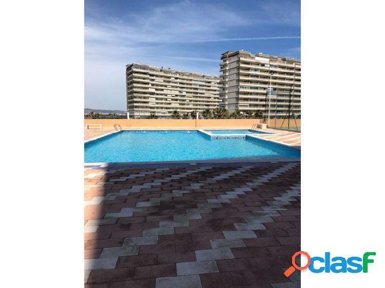 SIN COMISIÓN! Apartamento nuevo con trastero y piscina