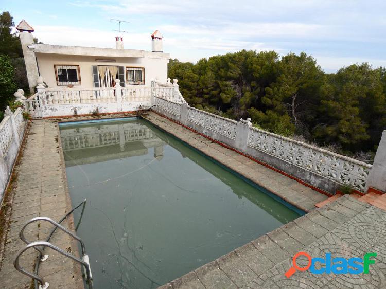 SIN NINGUNA COMISIÓN!!! Chalet con piscina y bonitas vistas