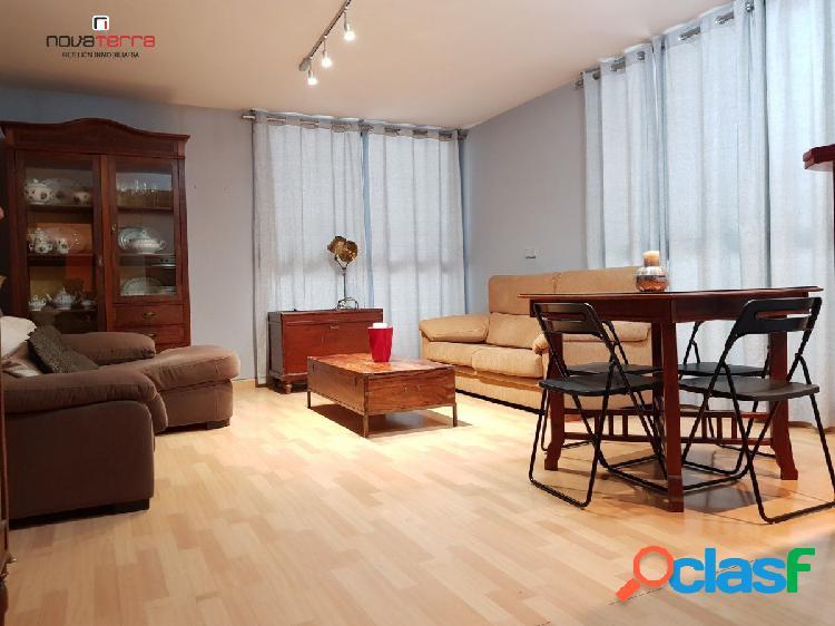 Se alquila piso de dos dormitorios en el Centro de San