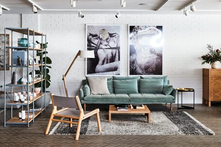 Se necesita Vendedor/a para venta de muebles, media jornada