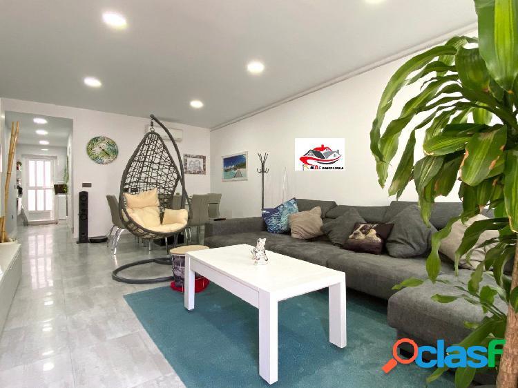 Se vende Duplex en Barrio Peral