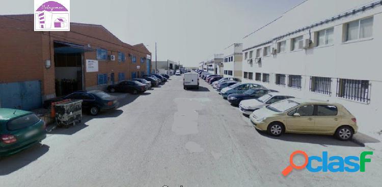 Se vende Nave Industrial en Torrejon de la Calzada