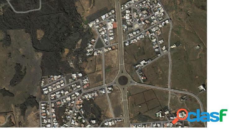 Se vende parcela urbana en Tahiche