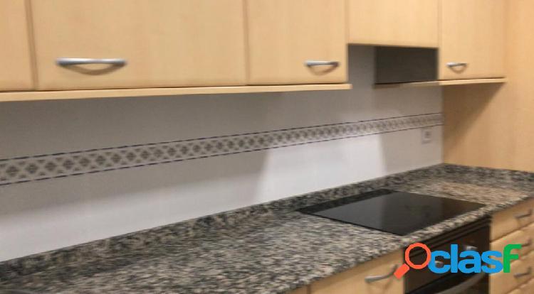 Se vende piso de 4 habitaciones en Sanchinarro