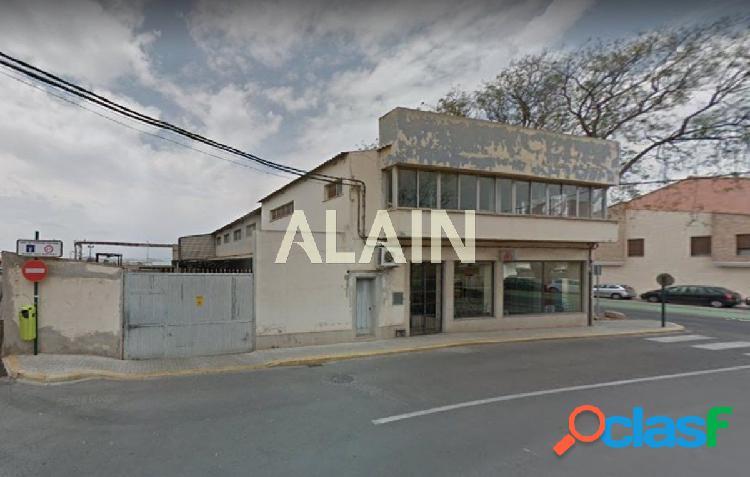 Solar en La Eliana pueblo para edificio de 4 alturas y