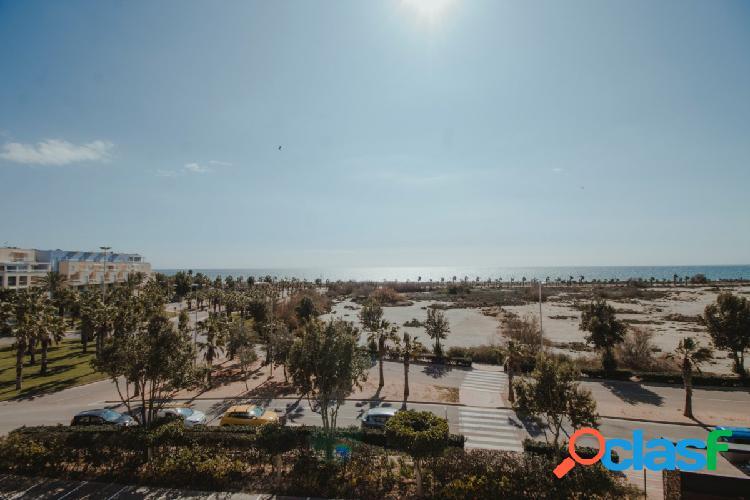 ¿Te gustaría vivir en primera linea de playa?