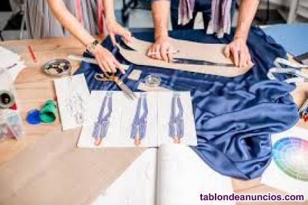 Titulada en diseño de moda y complementos ofrezco clases de