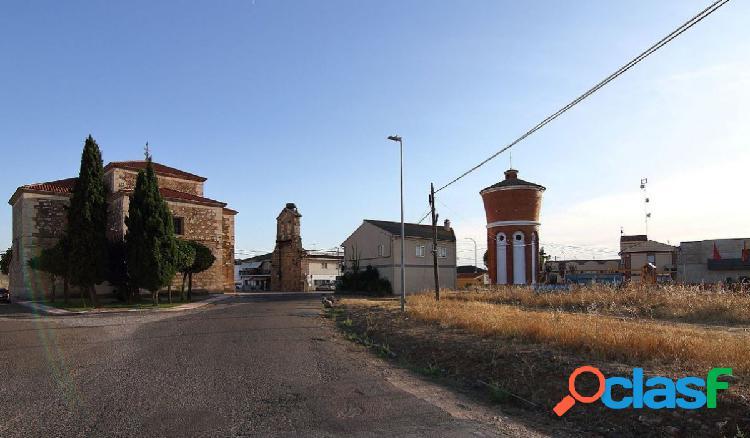Urbis te ofrece un Chalet en zona Nuevo Naharros, Pelabravo,