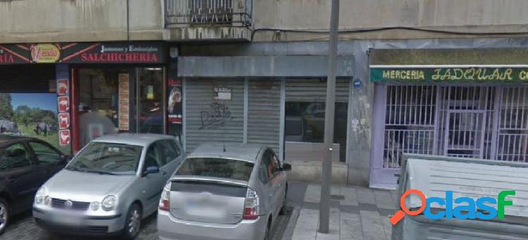 Urbis te ofrece un amplio local comercial en zona Garrido