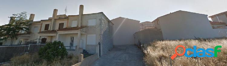 Urbis te ofrece un chalet adosado en Arapiles, Salamanca.