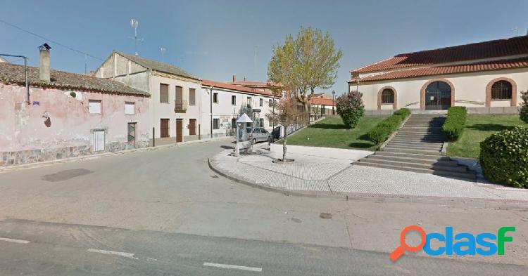 Urbis te ofrece un estupendo local en venta en Aldealengua,