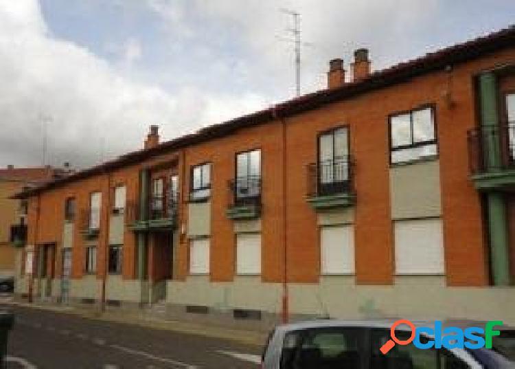 Urbis te ofrece un estupendo piso en San Cristobal de la