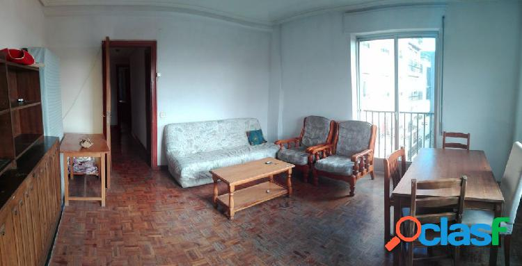 Urbis te ofrece un estupendo piso en zona La Fontana,