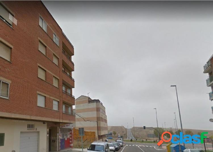 Urbis te ofrece un estupendo piso en zona Pizarrales,