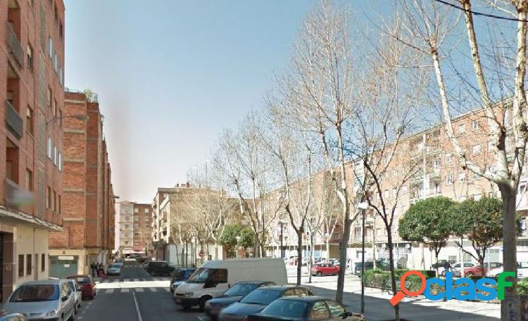 Urbis te ofrece un local comercial en Garrido Norte.