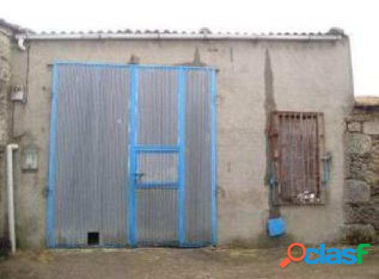 Urbis te ofrece un local en La Peña, Salamanca