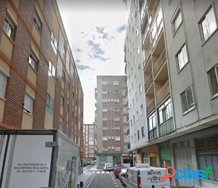 Urbis te ofrece un local en alquiler en Garrido Norte.