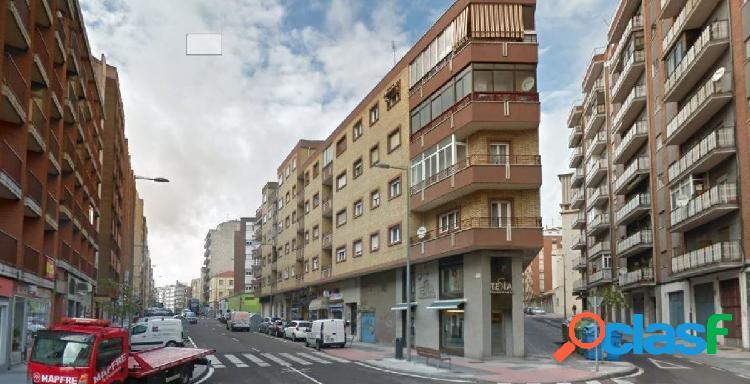 Urbis te ofrece un local en alquiler en Garrido Sur.