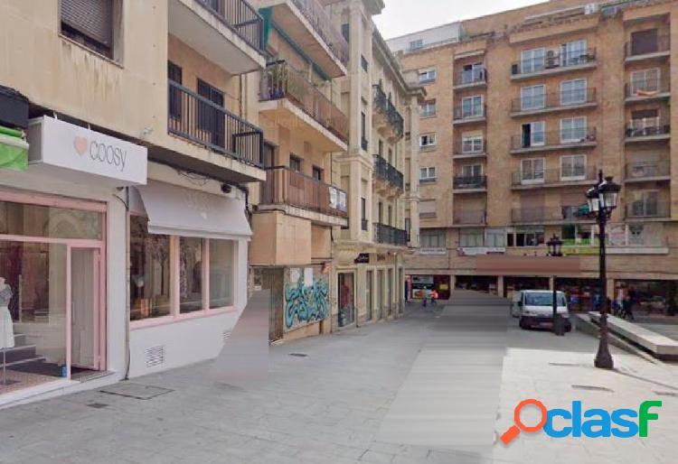 Urbis te ofrece un local en zona San Juan, Salamanca.