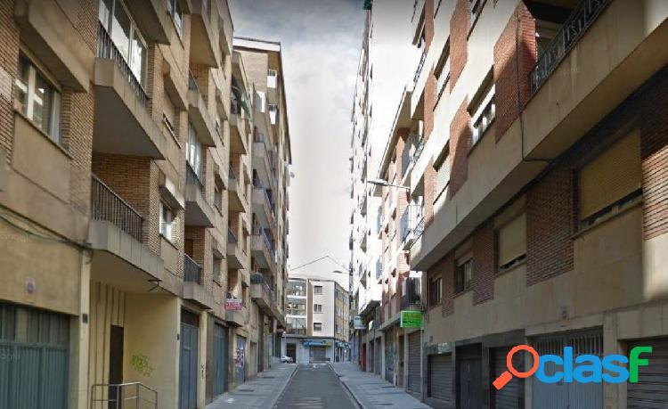 Urbis te ofrece una habitación en alquiler en zona Garrido
