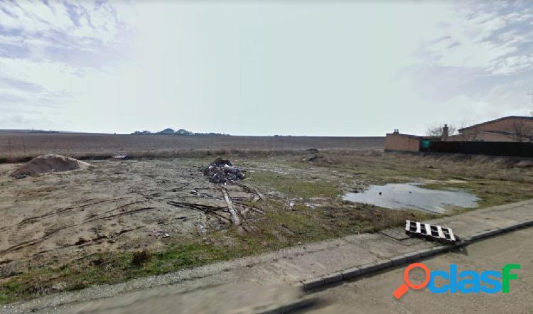 Urbis te ofrece una parcela en Peñaranda de Bracamonte,