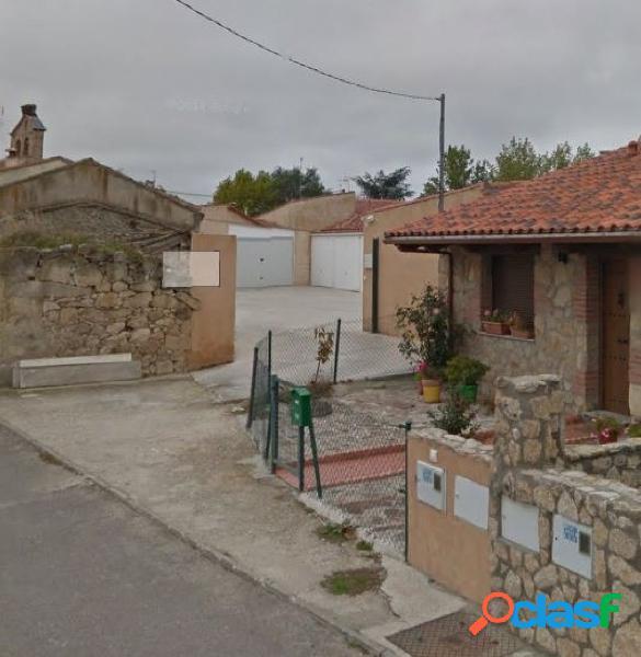 Urbis te ofrece una plaza de garaje cerrada en venta, zona