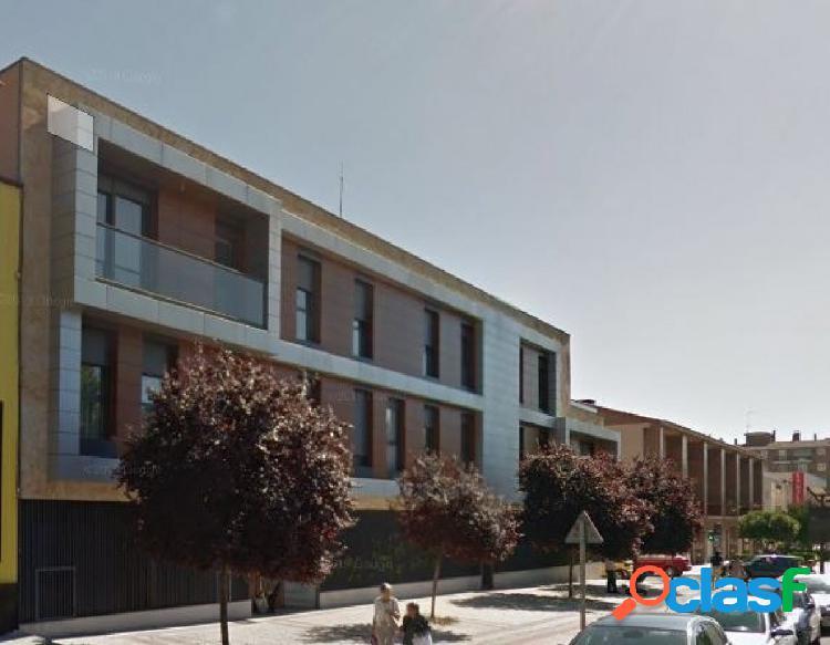 Urbis te ofrece una plaza de garaje en zona Garrido Norte,