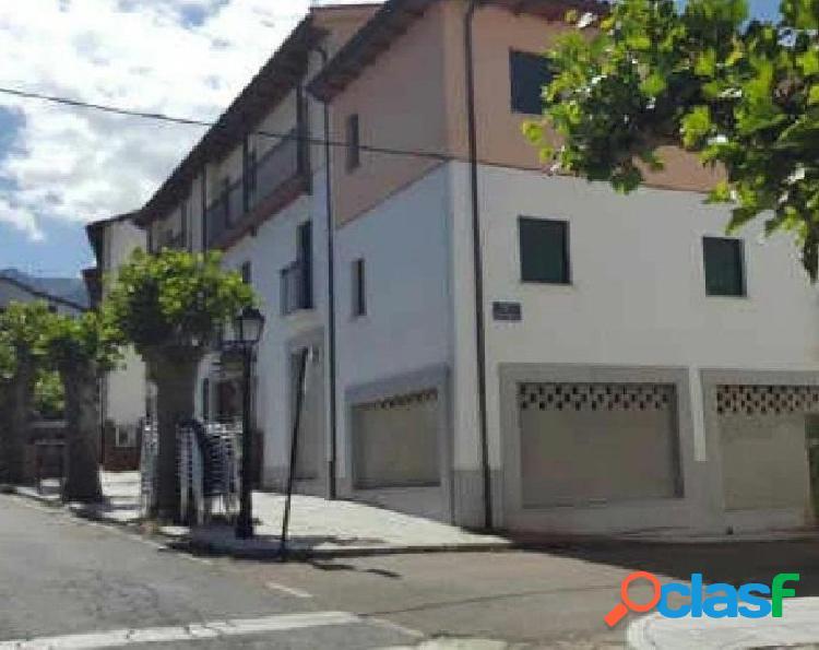 Urbis te ofrece una plaza de parking en Candelario,
