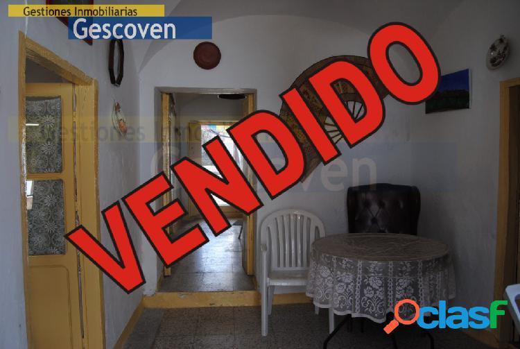 VENTA CASA PLANTA BAJA CON PATIO Y TERRENO