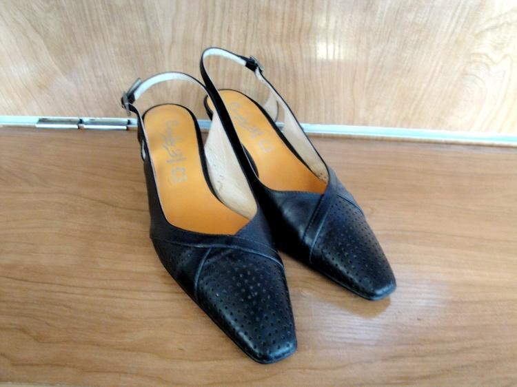 Vendo Zapato de piel negro ancho especial Nuevo t39
