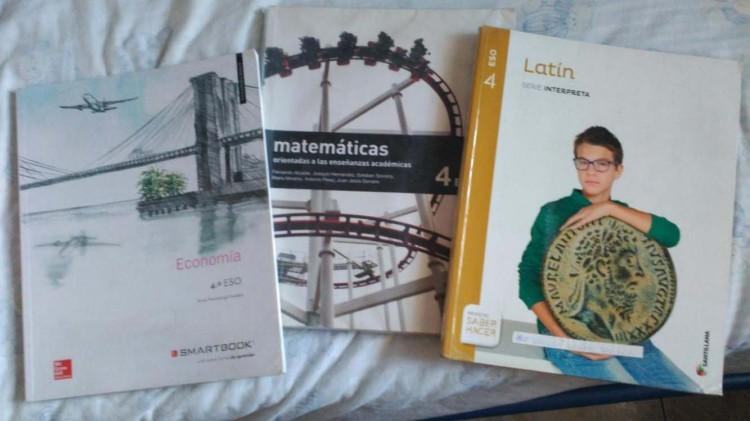 Vendo libros de 1 Bachiller y 4 de la ESO