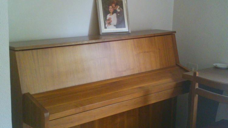 Vendo muebles antiguos y un piano