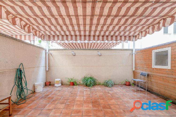Venta de piso en Granada zona Facultad de informática