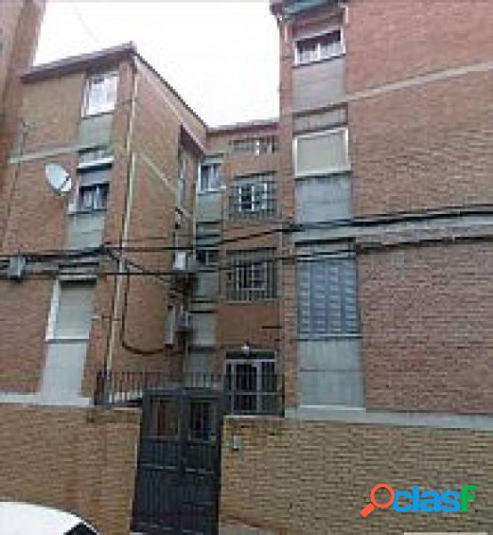 Venta de piso en Via Carpetana, Madrid
