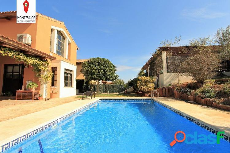 Villa en perfecto estado con vistas al Montgó en Villas del