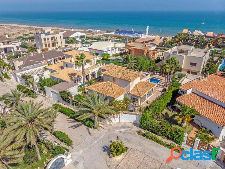 Villa en venta en la Mata, muy cerca del mar
