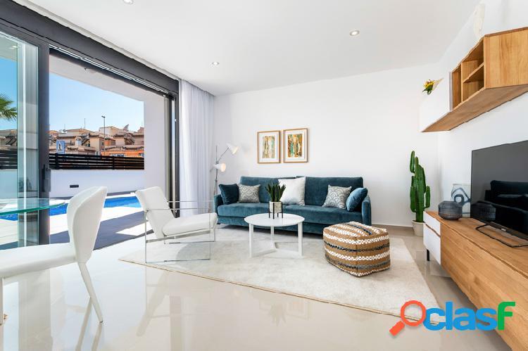 Villas de lujo con piscina privada en Urbanización