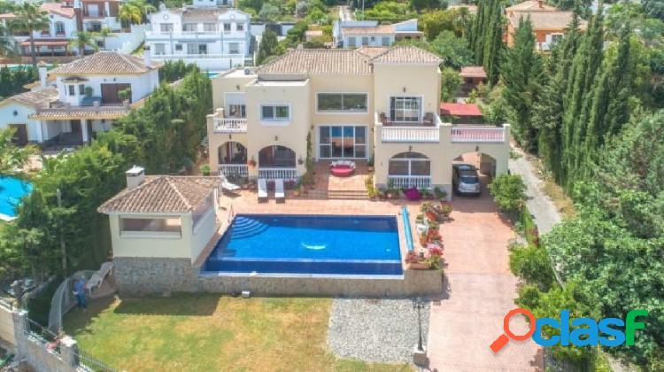 reciosa Villa muy bien construida y distribuida con vistas