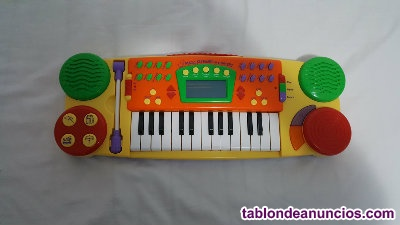 Piano infantil niño