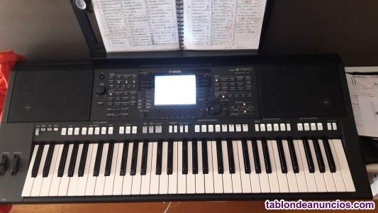 Se vende teclado yamaha psr s750 nuevo con papeles y