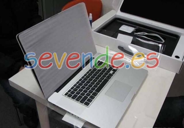 MacBook Pro 17 Intel Core i7 16GB RAM SSD HDD