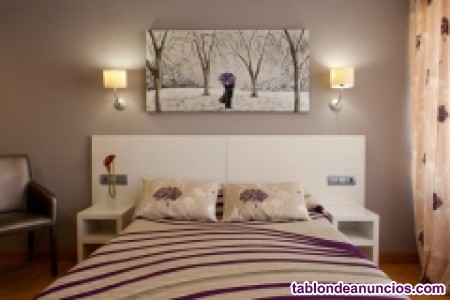 Camarera de pisos para habitaciones para verano