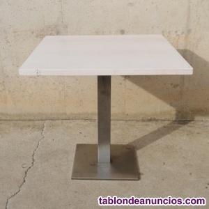 Mesa blanca con pata inox 80x80cm