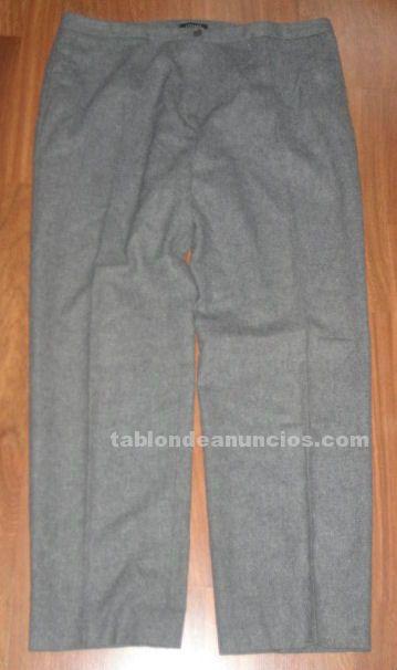 Traje pantalon gris claro para señora