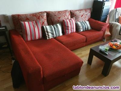 Vendo sofá cheslong de color rojo de 3 plazas