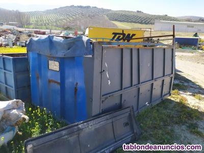 Caja de camion con laterales abatibles